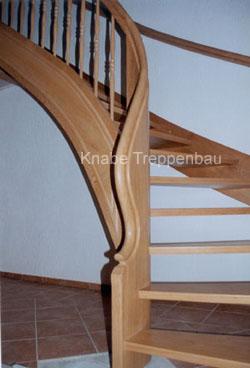 http://www.tischlerei-knabe.de/media/Treppen/kruemm1.jpg